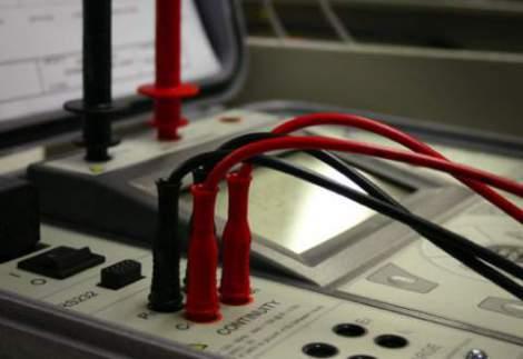 Prove di Sicurezza Elettrica di Scarica della Spina