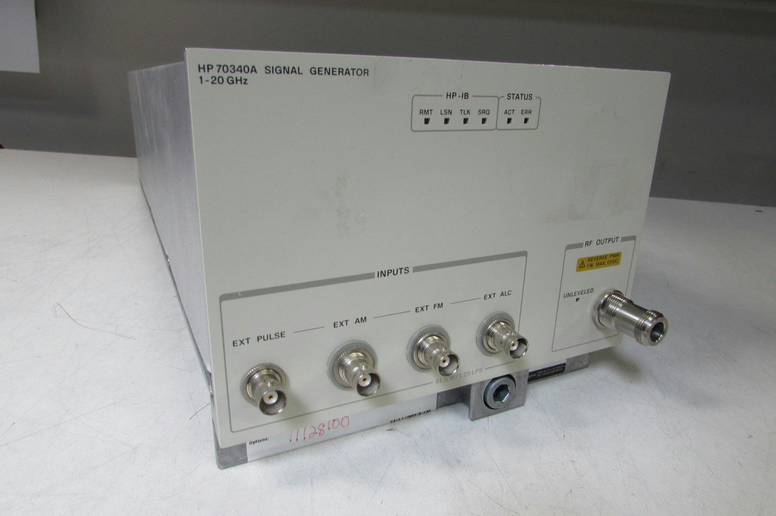 agilent-hp-70340a-mms-synthesized-signal-generator-1-20-ghz-0.jpg