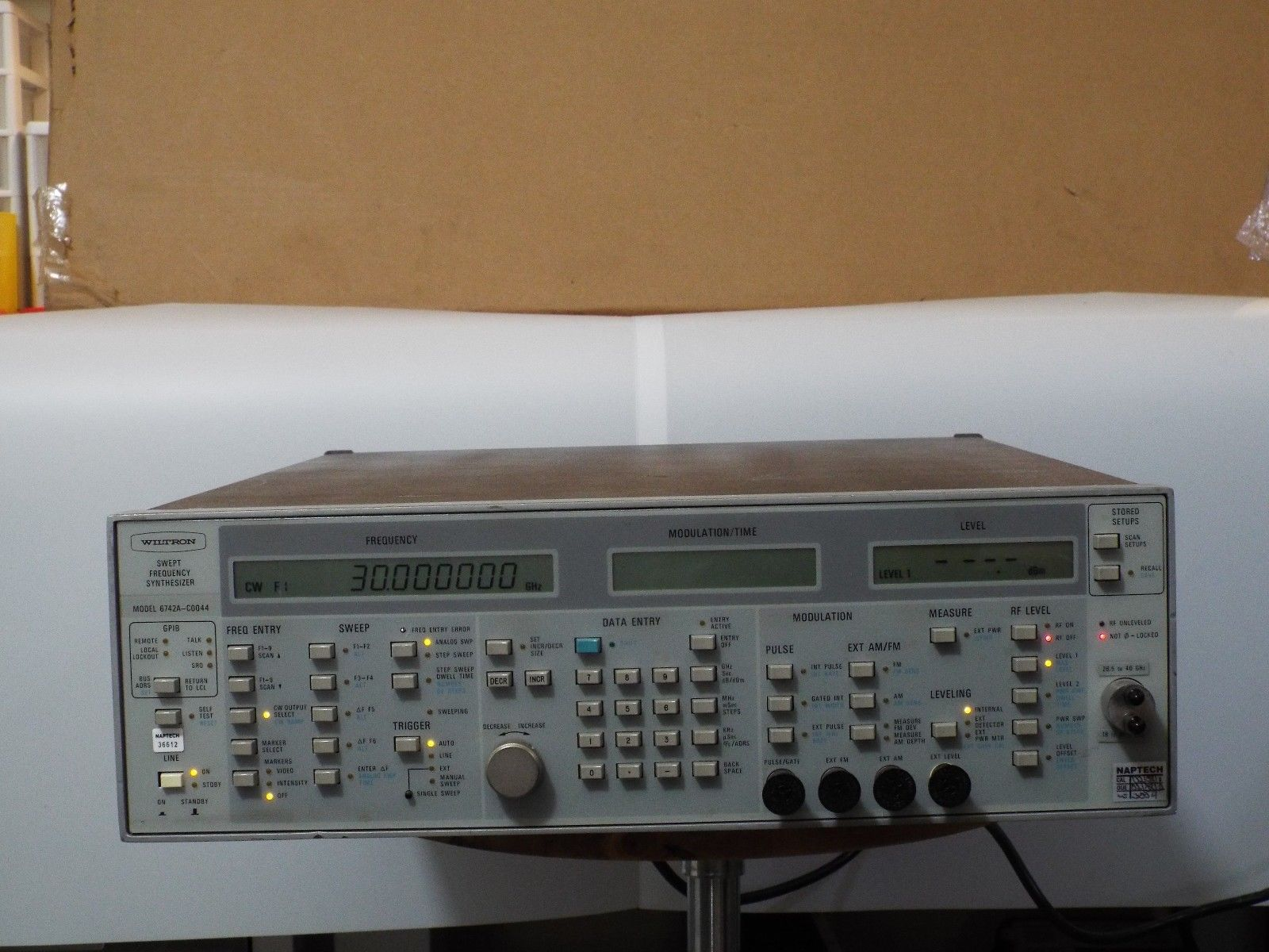 wiltron-6742a-c0044-40-ghz-swept-frequency-synthesizer-used-working-0.jpg